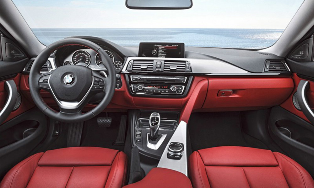 Armaturenbrett  Auto Cockpit reinigen - Armaturenbrett und Armaturen richtig reinigen